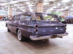 1962 Dodge Dart 440 Suburban Nine-Passenger Station Wagon - rear/side