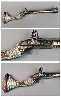 Fancy Dress Pirate Pistol 1800/'s Sherlock Gun Antique Style Old Brass Gunpowder