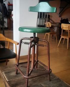 Industrial Bar Stool w/Spring Suspension Rotating Top