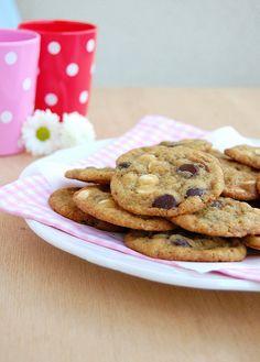 Technicolor Kitchen: Cookies com gotas de chocolate amargo e branco - sobre cozinheiros magrinhos e cookies idem