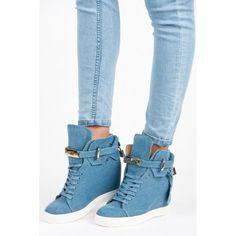 Dámské kotníkové boty Vices Auel modré – modrá Pohodlné tenisky, díky kterým povyrostete. Tenisky se krytým klínkem se zavazují pomocí šněrovačky, ale navíc obsahují i přezku, takže je vaše noha pořádně upevněna. Vicesje mladou značkou, …