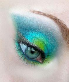 Aquarius eye makeup