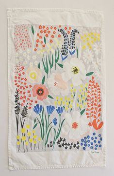 Grey Floral Dishtowel by lisaruppdesign via https://www.etsy.com/people/MadeleineZoe/favorites