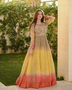 Fancy Dress Design, Stylish Dress Designs, Stylish Dresses, Fashion Dresses, Simple Pakistani Dresses, Pakistani Dress Design, Indian Dresses, Beautiful Dresses, Nice Dresses