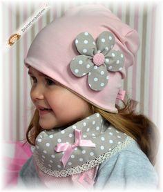 ✿ Reversible neckerchief ✿ dots beige / dusky pink (No. by flower girl on DaWa … – Clothes Sewing Kids Clothes, Sewing For Kids, Baby Sewing, Diy Clothes, Nursery Patterns, Cute Beanies, Fleece Hats, Baby Swimming, Winter Kids