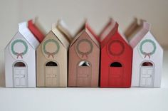 So perfect for wedding favours & a house themed wedding! House Gift Box Free Printable via Design Mom