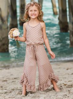 Baby Boy Jumpsuit, Toddler Jumpsuit, Cute Outfits For Kids, Toddler Outfits, Toddler Girls, Night Suit For Girl, Little Girl Dresses, Girls Dresses, Simple Pakistani Dresses
