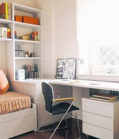 Teen girl bedrooms, styling plan for one lovely exciting decor, info id 3108935938 Small Bedroom Designs, Small Room Design, Guest Room Office, Teen Girl Bedrooms, Cozy Room, Interior Design Living Room, Room Interior, Interior Livingroom, Home Bedroom