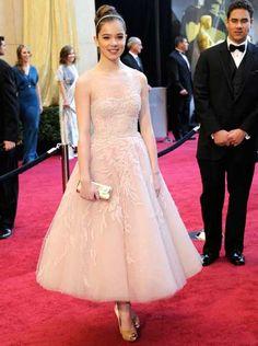 hailee steinfeld's oscar dress