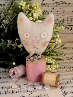 Cat Spool Pincushion PDF Pattern - sewing supply felt wool pin keep doll tabby cushion kitty kitten decor - love the pink noseprimitive. $4.99, via Etsy.