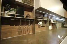 En este tablero os mostramos una serie de imágenes sacadas por nuestro equipo, en la Feria EuroCucina 2018, de Milán.  En ellas podemos observar diferentes tipos de muebles para tener todos los accesorios de la cocina bien organizados.  Esta manera de organizar nuestro espacio en la cocina, es una de las tendencias vistas en la Feria EuroCucina, y estamos seguros que no dejarán indiferente a nadie en cuanto a organización de espacios se refiere. Kitchen In, Cocinas Kitchen, Track Lighting, Divider, Ceiling Lights, Room, Furniture, Home Decor, Kitchen
