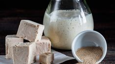 different types yeast. fresh pressed yeast dry instant yeast and active wheat sourdough starter (wild yeast) on wooden table. Fresco, Emergency Food Storage, Types Of Flour, Cheese Cloth, Sourdough Bread, Food Industry, Sweet Almond Oil, Side Dishes, Dairy