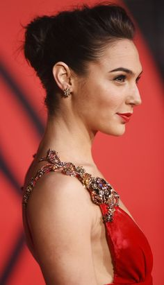 Pin for Later: Gal Gadot Looks Straight Up Like Wonder Woman on This Red Carpet