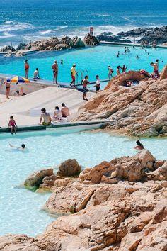 Natural sea swimming pools - Leça da Palmeira. #Porto #Portugal - great vacation spot. Clique aqui http://mundodeviagens.com/melhores-destinos-sonho-viajantes/ e faça agora mesmo Download do nosso E-Book Gratuito com 30 DESTINOS DE SONHO PARA VIAJANTES