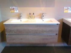 Badkamer on pinterest halloween fondant cake concrete bathroom and toilets - Kleur modern toilet ...