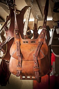 one strap leather bag