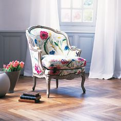 Love love love this floral chair! Classy with great lines.
