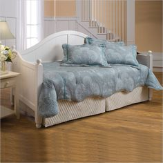 Hillsdale Augusta Wood Daybed in White Finish - 1434DBLHXX