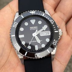 Modded another Skx031 for a client • Watch is 10 years old but in mint condition Explore modification ideas and designs at www.DLWwatches.com #seiko #seikomod #skx007 #skx009 #bezel #ceramicbezel #seikodiver #seikowatch #diverwatch #watchuseek #instawatch