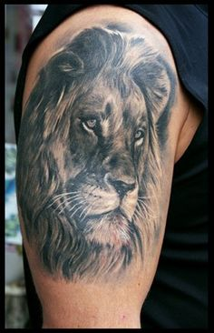 Oleg Turyanskiy - Lion Tattoo