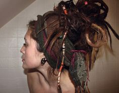 This gives me chills of excitement knowing it wont be long before my dreads cascade and tower upon my head. Gypsy Hair, Hippie Hair, Dreads Styles, Hair Styles, Rasta Girl, Dread Accessories, Natural Dreads, Natural Hair, Dreads Girl