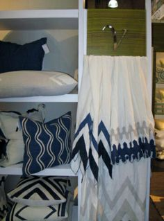V Rus and Home linens -- love the edging