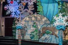 Igloo decorating idea for your main set at Preschool Arts And Crafts, Vbs Crafts, Bible Crafts, Arctic Decorations, Church Decorations, Winter Decorations, Winter Wonderland Christmas, Christmas Door, Operation Arctic