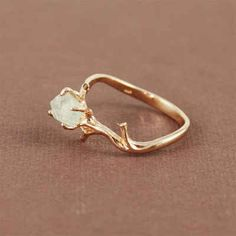 This ring with natural green amethyst stone