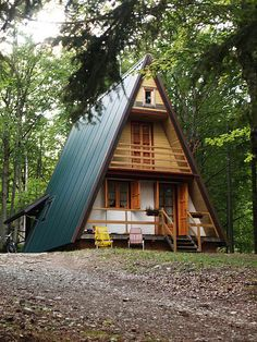 Tiny house a frame cabin homes design ideas glamorous cabins and cottages 3 bedroom A Frame Cabin, A Frame House, Cabin Homes, Log Homes, Cabins And Cottages, Cabins In The Woods, Little Houses, Tiny Houses, Style At Home