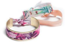 BANDED Hair Tie Bracelets are the most convenient way to keep a hair tie on your wrist until you need it, while staying on top of the latest trends! Each bracelet is adjustable in size and comes with