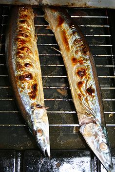 Home Cooking: Grilled Sanma, Pacific Saury サンマの塩焼き