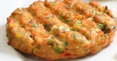 Υλικά για 3 μερίδες: 1 φλιτζάνι βρασμένα φασόλια λευκά ή κόκκινα 1 καρότο ½ κρεμμύδι, κομμένο σε κύβους 3 μικρές πατάτες