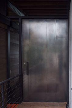 New steel front door entrance metals Ideas Industrial Interior Doors, Industrial Wallpaper, Industrial House, Industrial Windows, Industrial Closet, Industrial Bookshelf, Kitchen Industrial, Industrial Apartment, Industrial Bedroom