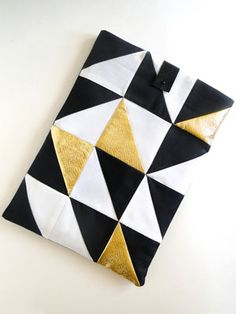 Geometric Laptop Sleeve DIY (via Fabric Paper Glue) Sewing Basics, Sewing For Beginners, Diy Laptop, Laptop Cases, Computer Case, Laptop Bag, Diy Pochette, Do It Yourself Inspiration, Color Inspiration