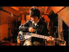 Dream come true. Jeff Beck who rarely does interviews at all talks about his guitars. Beck is probably the most expressive electric guitarist in the planet. Jeff Beck, Blue Fingers, Best Guitarist, Guitar Collection, Fender Guitars, Great Videos, Cool Guitar, My Favorite Music, Music Videos