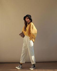 Korean Girl Fashion, Fashion Tips For Girls, Korean Fashion Casual, Korean Fashion Trends, Korean Street Fashion, Korean Outfits, Mode Outfits, Look Fashion, Fashion Fall