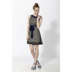 Vestido corto estampado con cinturón en tela lisa y cuello barca en liso azul - Mauna Barcelona - fashion - moda