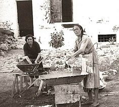 Greek Life, Greece, The Past, Black And White, Pictures, Painting, Art, Greece Country, Photos