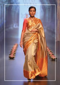 Lvly silk saree wat a combination of colour