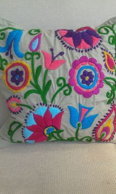Mexican Embroidery, Simple Embroidery, Crewel Embroidery, Cross Stitch Embroidery, Embroidery Patterns, Cushion Embroidery, Hand Applique, Hand Quilting, Bunt