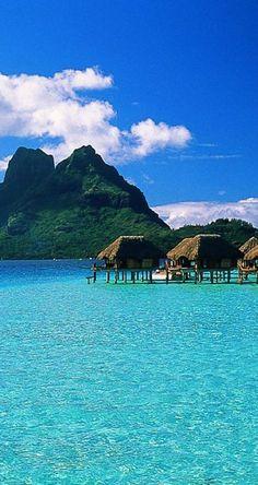 The Le Moana Resort in Bora Bora, French Polynesia • photo: puddlz on deviantart