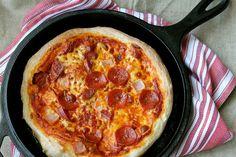 ...Karens Kitchen Stories: Skillet Pizza