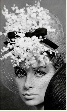 A headgear of lily of the valley - Jean Barthet 1964 Vintage Versace, Vintage Dior, Mode Vintage, Vintage Vogue, Vintage Beauty, Vintage Glamour, Vintage Hats, 1960s Fashion, Vintage Fashion