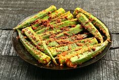Do you aware of these okra health benefits? Read more to find out some of the top remarkable okra benefits which you never heard. Okra Recipes, Vegan Recipes, Comidas Lights, Okra Health Benefits, Pickled Okra, Go Veggie, Israeli Food, Breakfast Smoothie Recipes, Salads