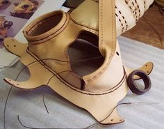 Tom Banwell - Absolutely the best blog ever for leatherwork masks and Steampunk items