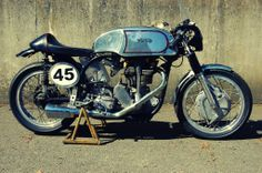 This is the 1952 Norton Model 30 Manx and this particular Manx has quite the personal history. It was shipped new to veteran Grand Prix racer Rudolf Racing Motorcycles, Vintage Motorcycles, British Motorcycles, Vintage Racing, Vintage Cars, Vintage Ideas, Norton Manx, Cafe Racer Moto, Norton Motorcycle