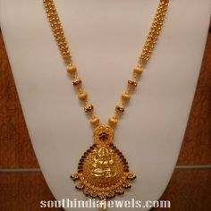 22K Gold Ball Haram from NAJ ~ South India Jewels Gold Chain Design, Gold Ring Designs, Gold Bangles Design, New Gold Jewellery Designs, Gold Haram Designs, Jewelry Design, Pearl Necklace Designs, Gold Earrings Designs, Gold Necklace