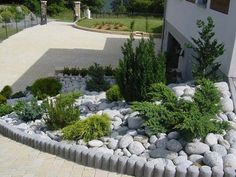 Idea, methods, including manual in the interest of obtaining the greatest end result and also making the optimum use of Backyard Diy Landscaping Hillside Landscaping, Landscaping With Rocks, Front Yard Landscaping, Landscaping Ideas, Lawn And Landscape, Garden Landscape Design, Gravel Garden, Garden Inspiration, Beautiful Gardens