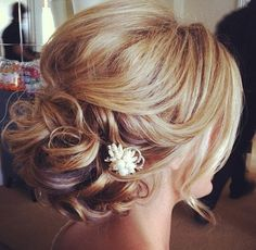 Hairstyles, Beautiful Short Hair Updos For Wedding: Simple Style of Wedding Updo. - Hairstyles, Beautiful Short Hair Updos For Wedding: Simple Style of Wedding Updos For Medium Length Hair - Updos For Medium Length Hair, Short Hair Updo, Medium Hair Styles, Short Hair Styles, Loose Updo, Messy Updo, Curly Bun, Soft Updo, Updo Styles