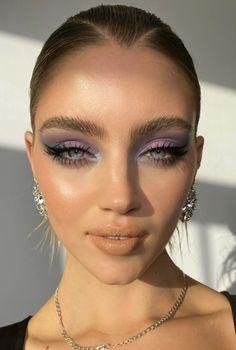 lilac purple and blue smokey eye shadow makeup look eyeliner Cute Makeup, Glam Makeup, Pretty Makeup, Makeup Art, Hair Makeup, Cake Face Makeup, Glamour Makeup Looks, Mac Makeup Looks, Metallic Makeup